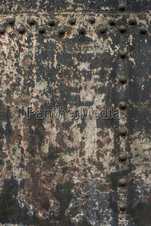 color pared metal al aire libre
