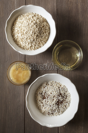 ingredients for baking flapjacks