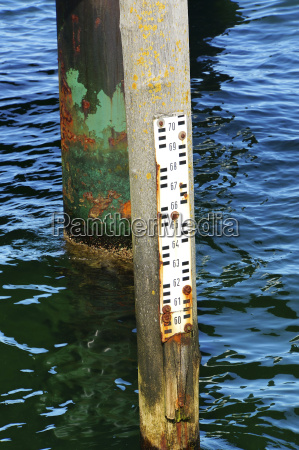 gemany rusty water level meter