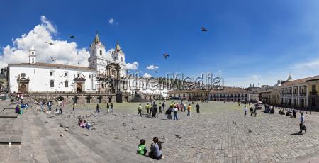 ecuador quito plaza de san francisco