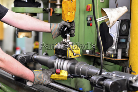 quality check of an engineering shaft