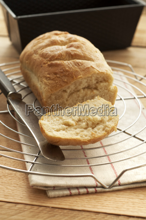 white bread on cooling rack close