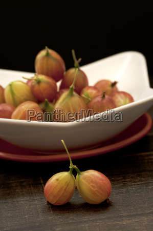 bowl of gooseberries on table close