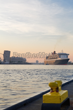 germany hamburg cruise liner queen mary