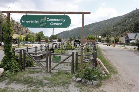 scraps to soil community garden