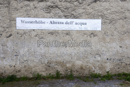 italy south tyrol water level sign
