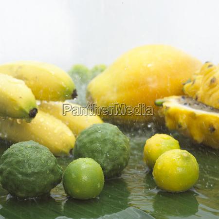 maturo freschezza frutta cadere esotico banana