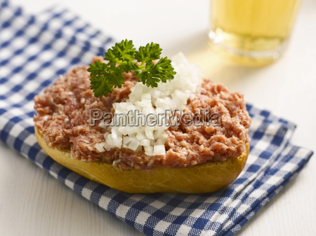roll with minced meat and onion