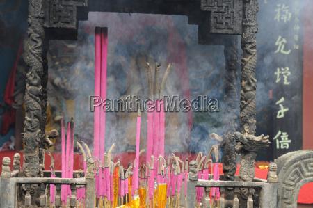 china buddhist temple burning of incense