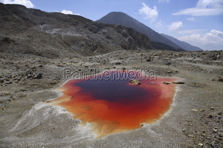 indonesia mineral lake
