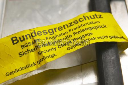 label on case handle