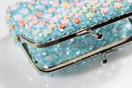 empty purse detail