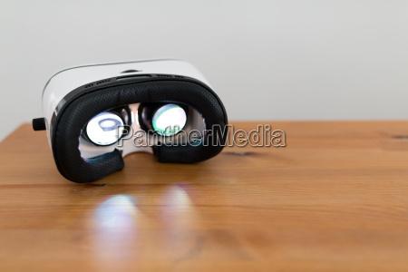 virtual reality play movie inside