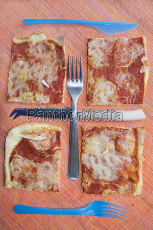 geometries with pieces pizza and cutlery