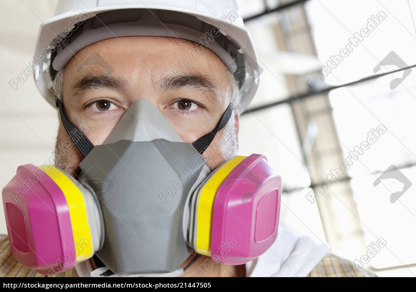 21447505 Wearing Mask Stock Portrait - Construction Site Worker Male Dust Photo At Of