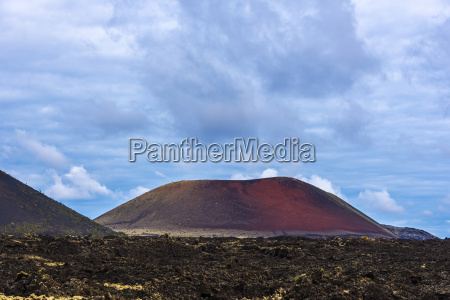timanfaya fire mountains lanzarote