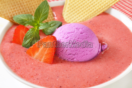 strawberry soup with ice cream