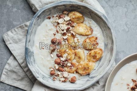 oat porridge with caramelised bananas and