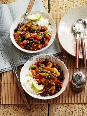 vegetable chilli with black eyed beans