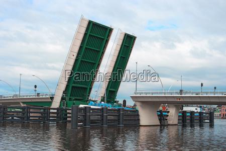 open drawbridge and ship zaanse schans