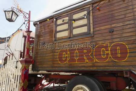 circus caravan with spanish circo lettering