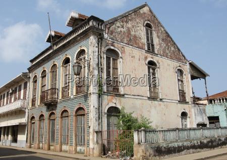 colonial building sao tome city sao