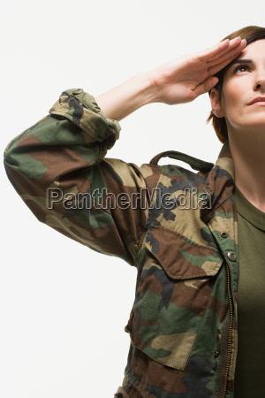 portraet einer frau soldat