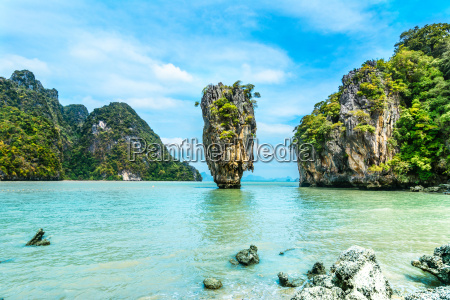 james bond island koh tapoo from