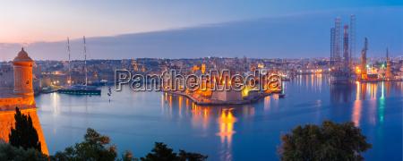 grand harbor and senglea from valletta