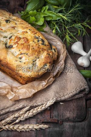 garlic bread with basil