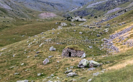 landscape from valley of nuria in