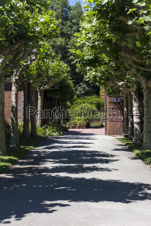 gravel garden pathway
