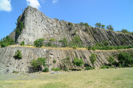 hegyestu vertical pilar from cooled