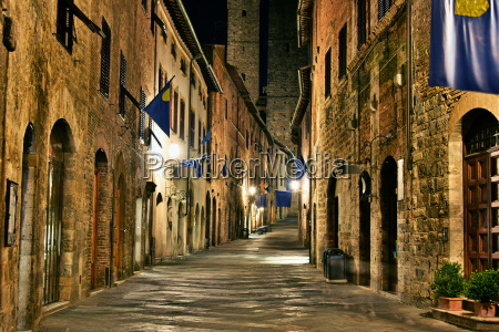 street view of san gimignano in