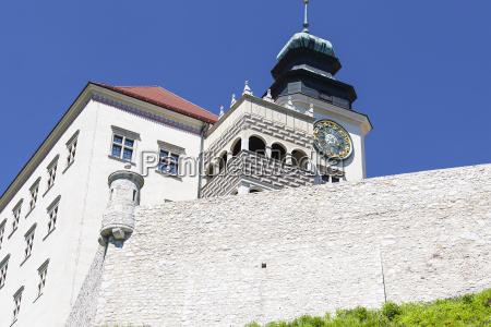 14th century defense castle pieskowa skala