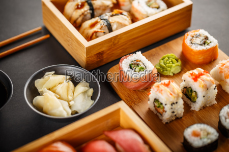 sushi plate served with ginger
