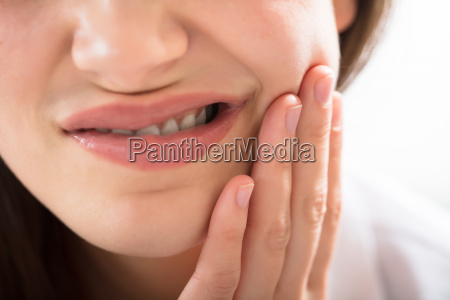 woman, having, toothache - 22643511