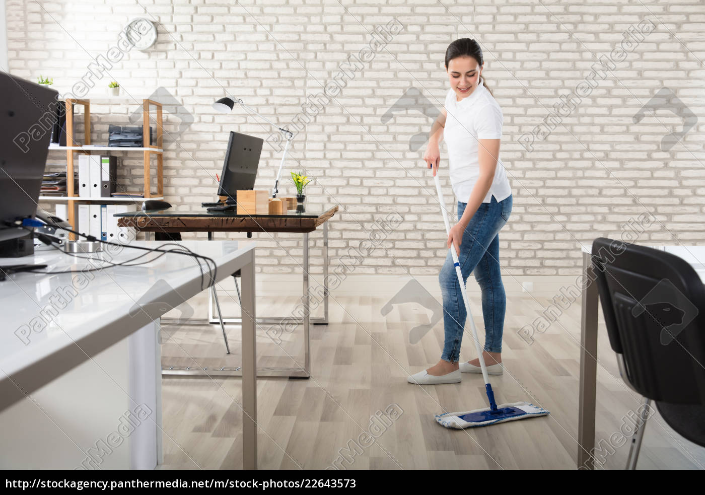 young, woman, cleaning, the, floor - 22643573