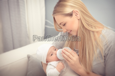 mother, feeding, her, baby - 22646177
