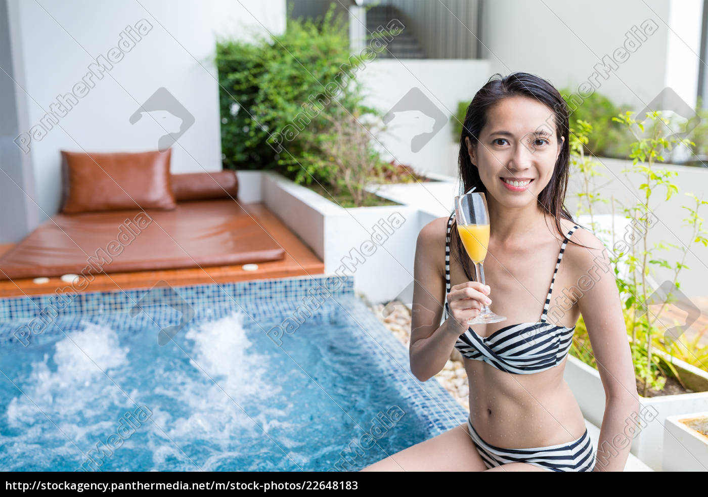 woman, enjoy, jacuzzi, spa, and, drink - 22648183