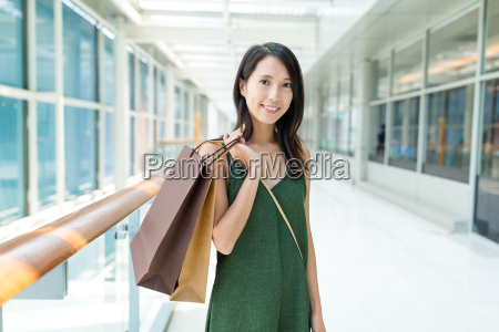 woman, holding, with, shopping, bag - 22648189