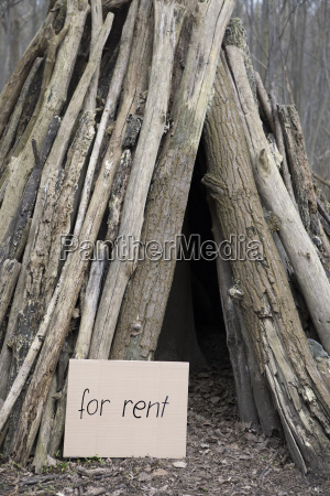 hut in the woods for rent