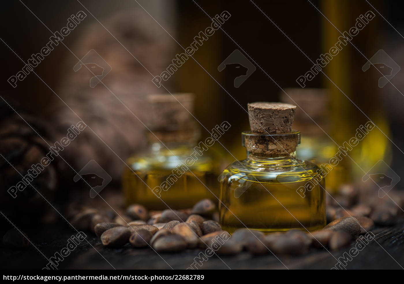 oil, of, cedar, nuts - 22682789