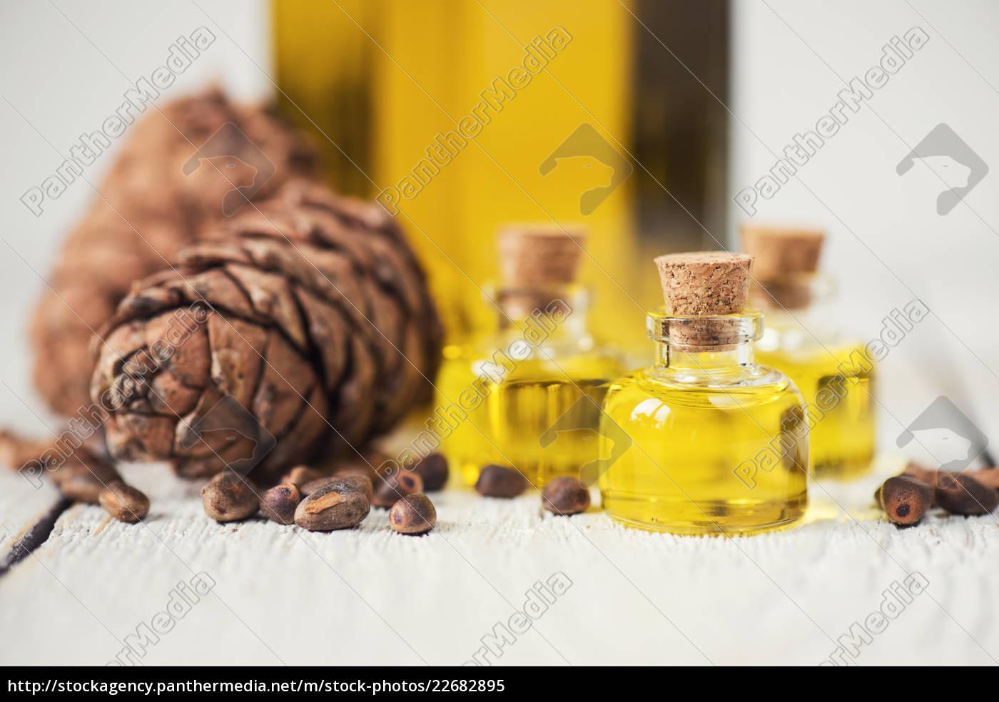 oil, of, cedar, nuts - 22682895