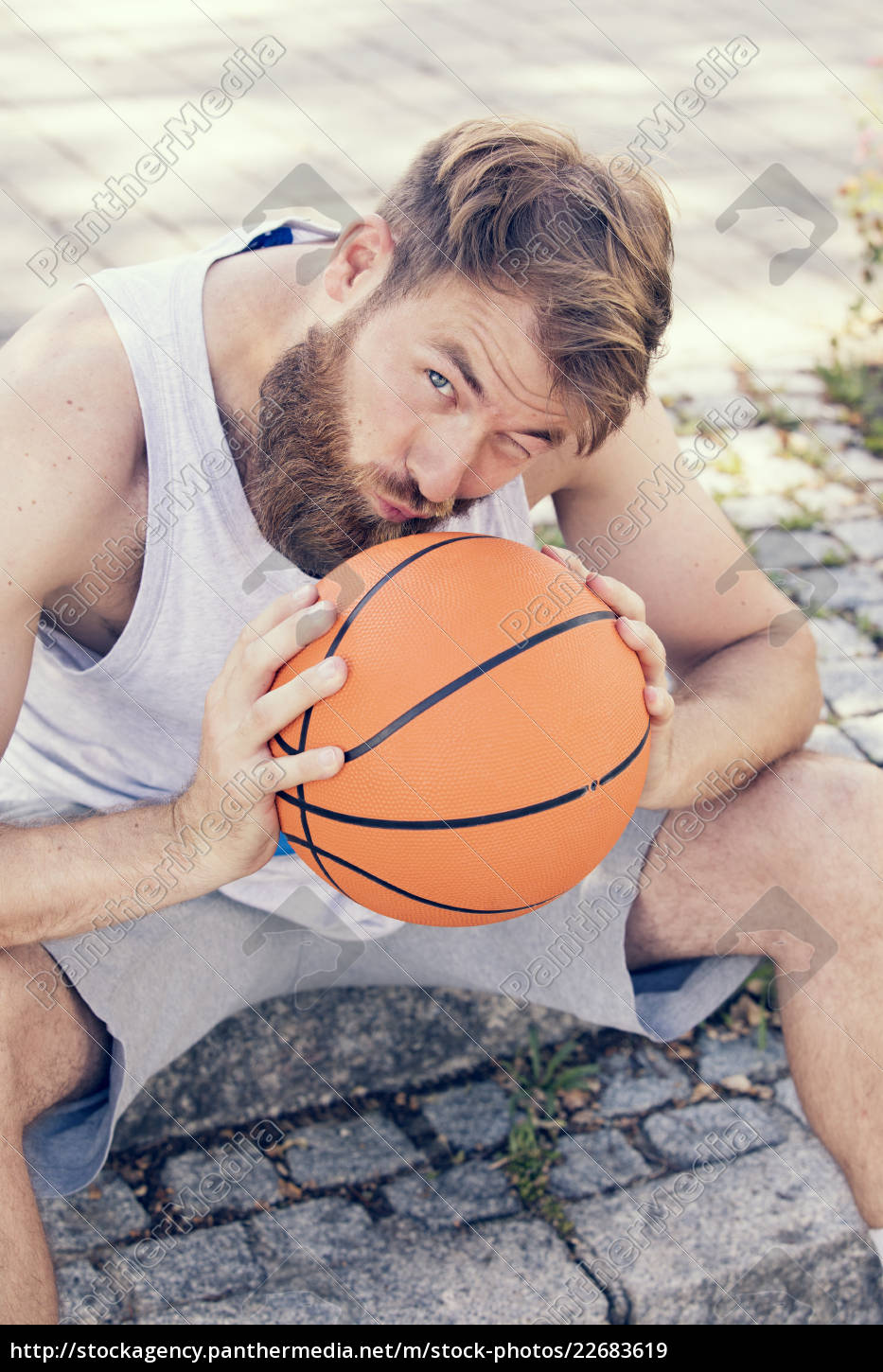 man, with, basketball - 22683619