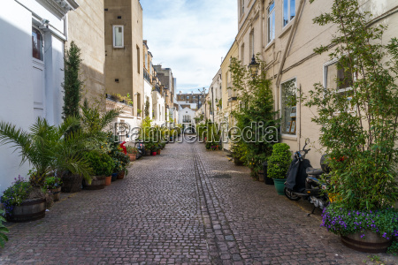 a mews in london where stables