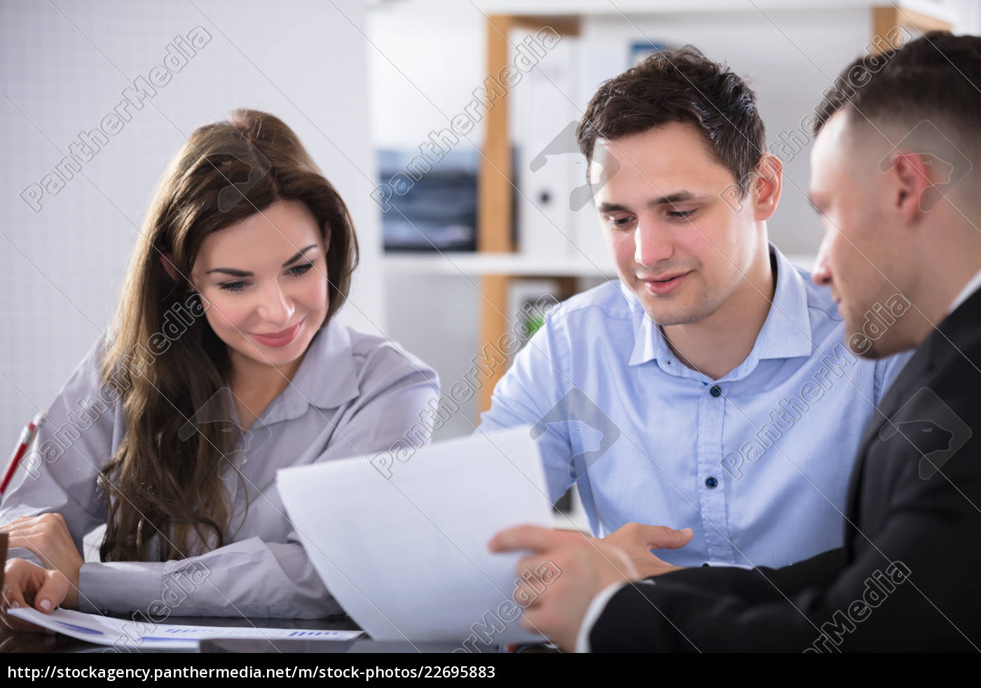 advisor, discussing, with, couple - 22695883