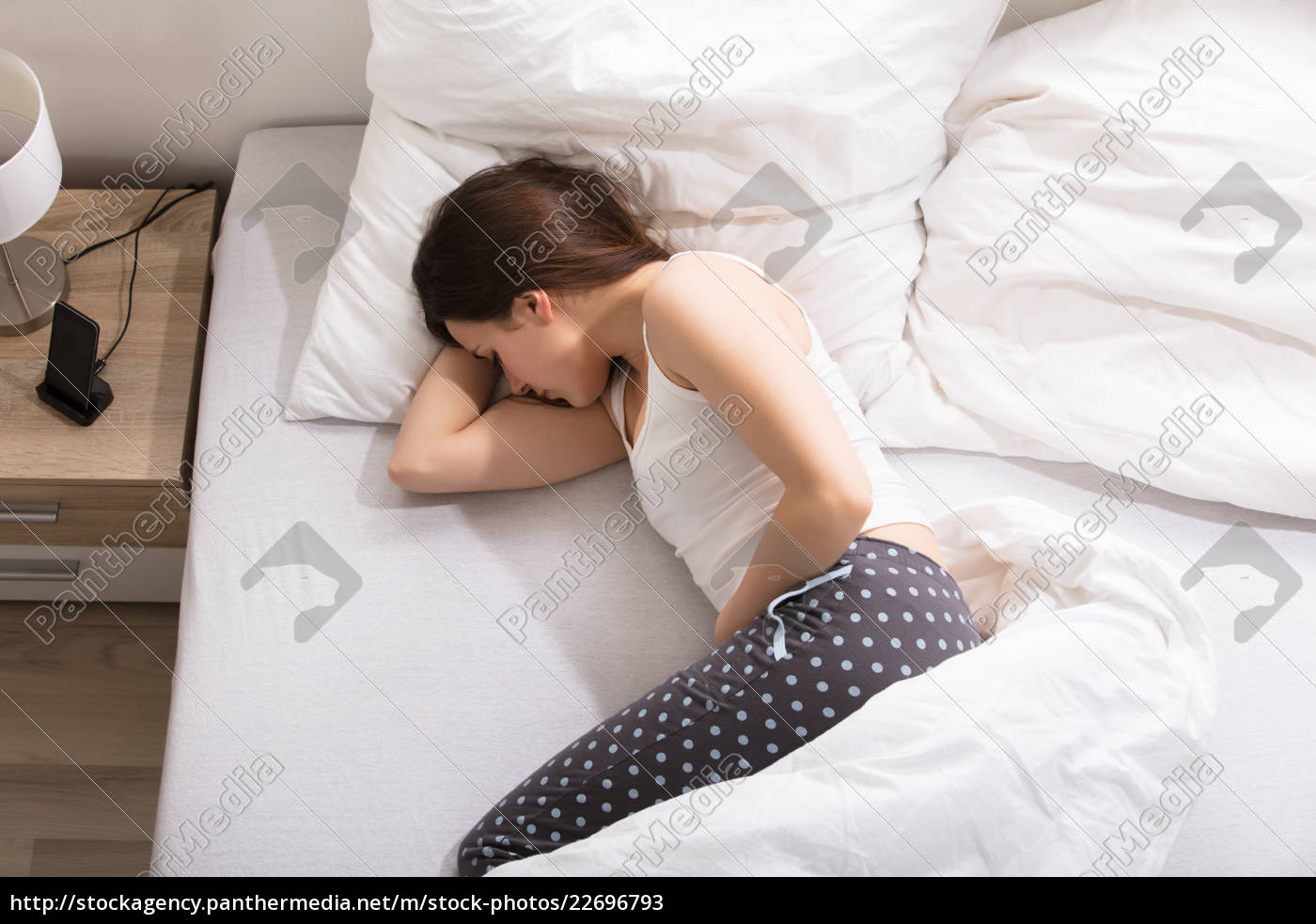 woman, with, stomach, pain - 22696793