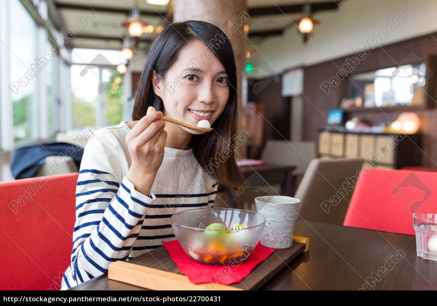 woman, enjoy, japanese, dessert, in, cafe - 22700431