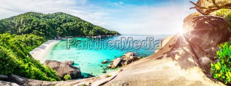 tropical lagoon island